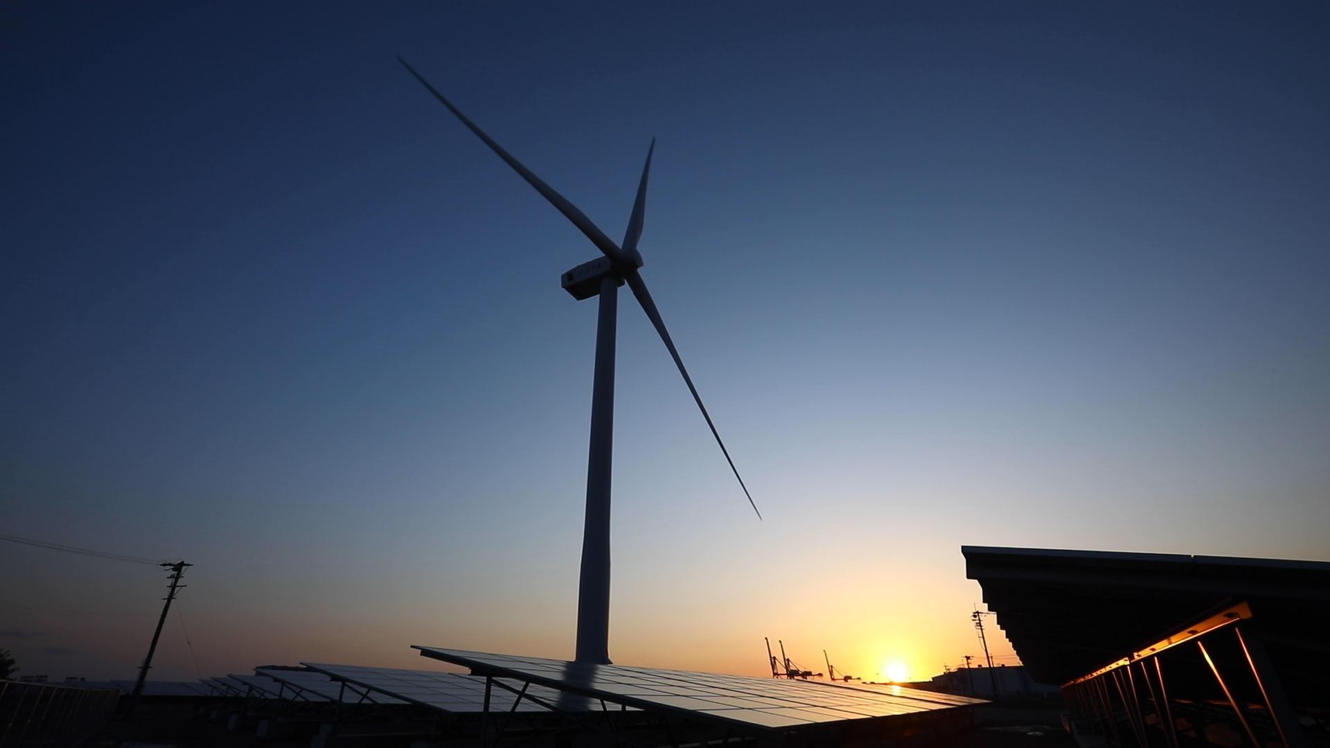 自然電力2件目となる風力発電所開発案件「北九州響灘風力発電所・太陽光発電所」完工のお知らせ