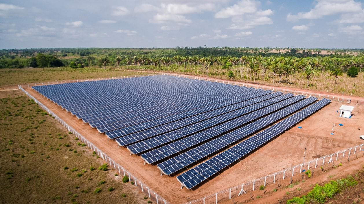 ブラジルにて太陽光発電所が運転開始 ブラジル銀行へ電力供給を行う
